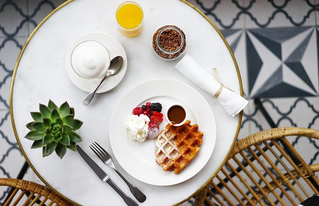 cotton-house-hotel-breakfast-k